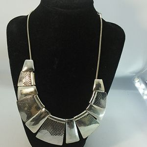 Jewelry - Silver metal Statement Necklace